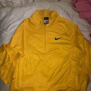 Men's Nike Dry fit pullover, size S